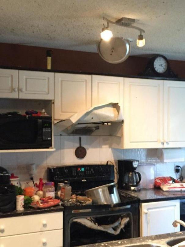 Тот случай, когда ты не великий кулинар, но очень хочешь что-то сообразить. Уморительные фото неудач!