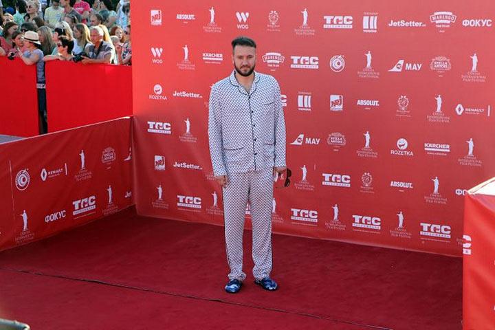 Нелепые и безвкусные наряды гостей Одесского кинофестиваля – это нужно видеть, не пропустите!