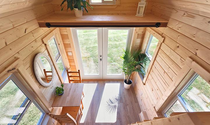 Только посмотрите на этот небольшой домик! В нем есть все необходимое для жизни – продумана каждая мелочь!