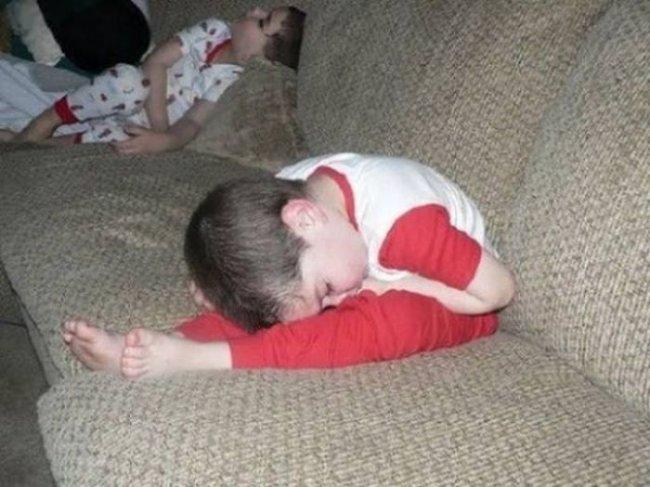 Это нужно видеть – спящие малыши! Просто уморительная подборка фото!