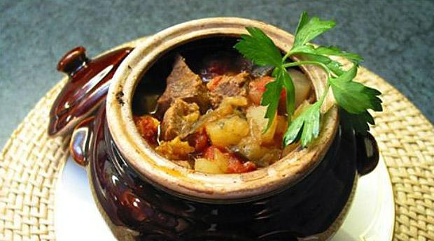 9 классных рецептов любимых блюд в горшочках – удивите гостей и порадуйте всех домашних!