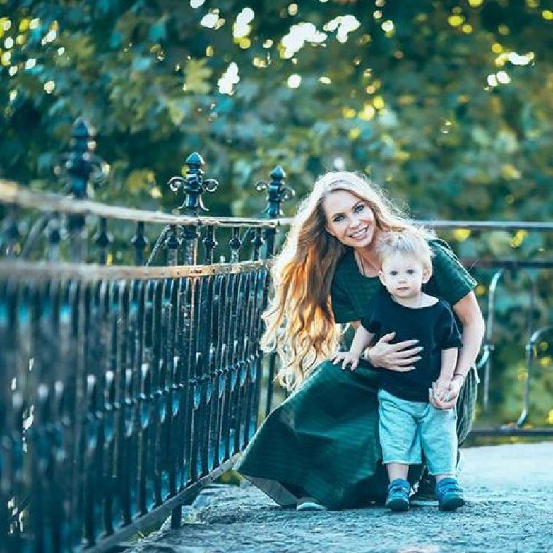 Показываем фото супруги и сына Стаса Пьехи – ну, очень красивые и обаятельные!