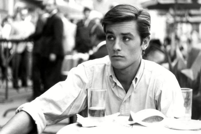Да уж, все хорошее заканчивается и звезды со временем меркнут… Самый красивый актер ХХ века ушел из кино!