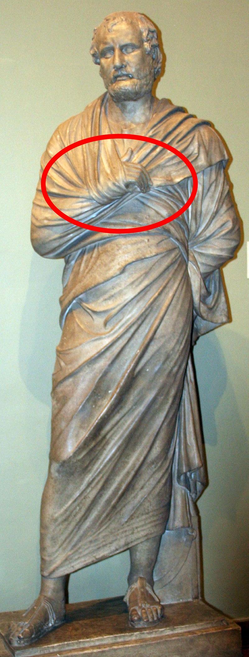 А вы знаете, почему на портретах и фото исторические личности руку прячут под одеждой? Ни за что не догадаетесь!