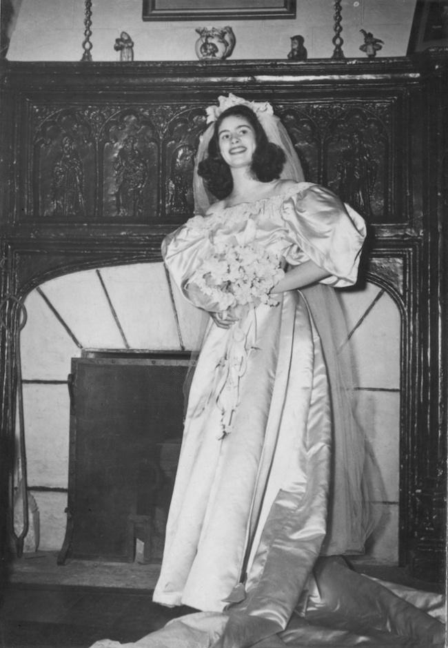 1 свадебное платье, 11 поколений девушек, которые выходили в нем замуж на протяжении 120 лет! Настоящая реликвия!