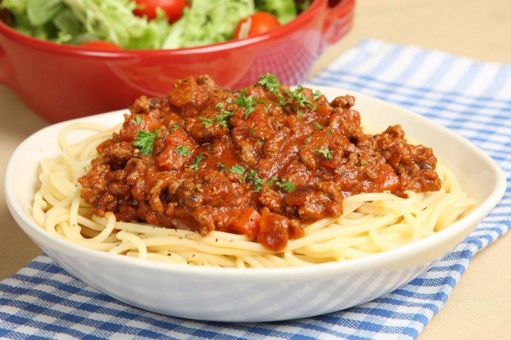 Рецепт спагетти болоньезе с томатной пастой