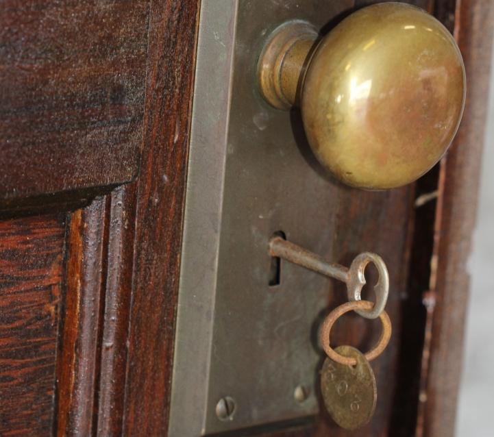 Хозяйка уехала из квартиры в далеком 1939 году. А когда жилье открыли через 70 лет, все были удивлены