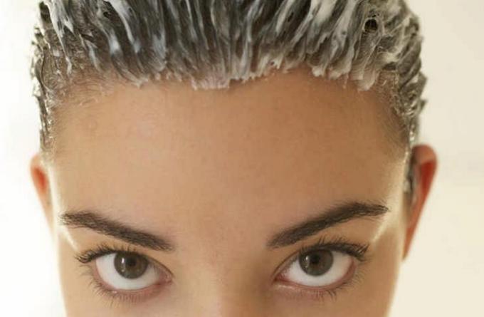 Как сделать волосы густыми, сильными, блестящими, пробудить спящие луковицы? Рецепты классных масок!