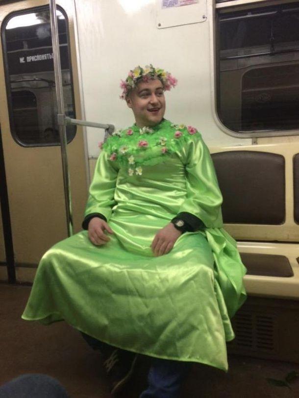 Новые фото самых уморных модников и странных людей из метро. Это нужно видеть!
