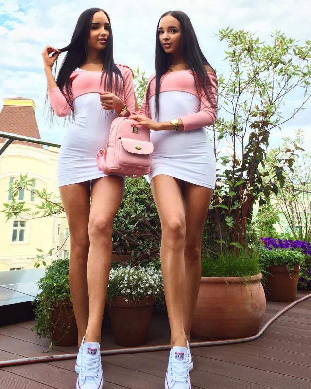 Удивительные близняшки из Казани Аделина и Алина Фатхеевы буквально взорвали сеть!