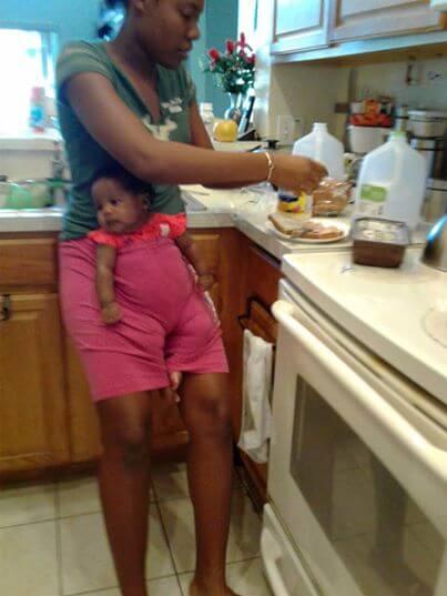 Мама просто оставила дочку с няней. А когда получила это фото, была в восторге от смекалки и изобретательности девушки!