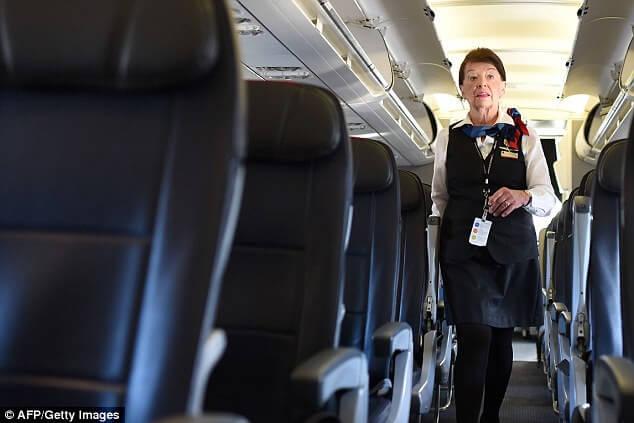 Настоящая королева небес: стюардесса со стажем 60 лет! Сейчас ей 80+ и она не собирается уходить на пенсию!