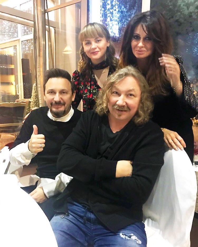 Красавица-жена певца Игоря Николаева появляется в одних и тех же нарядах… Певец слишком экономит?