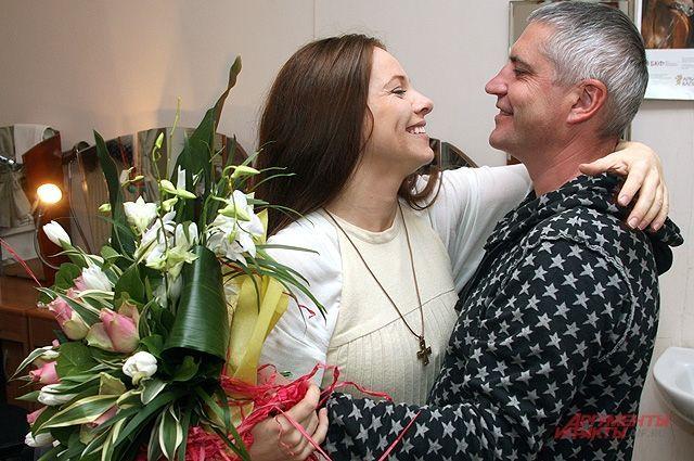 Известная актриса Екатерина Гусева показала фото счастливой семьи и доказала, что десятилетняя разница в возрасте не помеха!