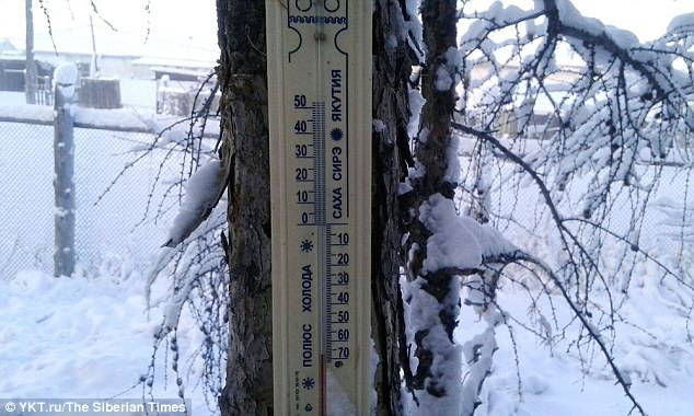 А в Якутии -62 и начали трескать градусники! Но жители живут и радуются каждому дню, несмотря ни на что!