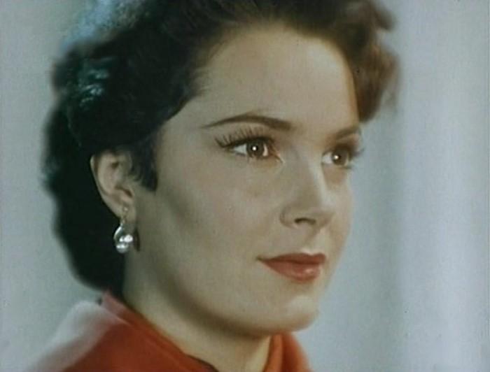 Известной актрисе Элине Быстрицкой уже 89 лет! Как же красиво она состарилась и какую интересную жизнь прожила!