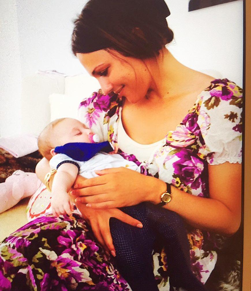 Настоящая мамина дочка: малышка «Роксоланы» растет вся в мать – такая же очаровательная!