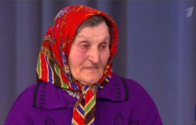 Бабушка жила в жуткой конюшне… А скандальный российский певец взял и купил ей нормальное жилье! Интересно, о ком речь?
