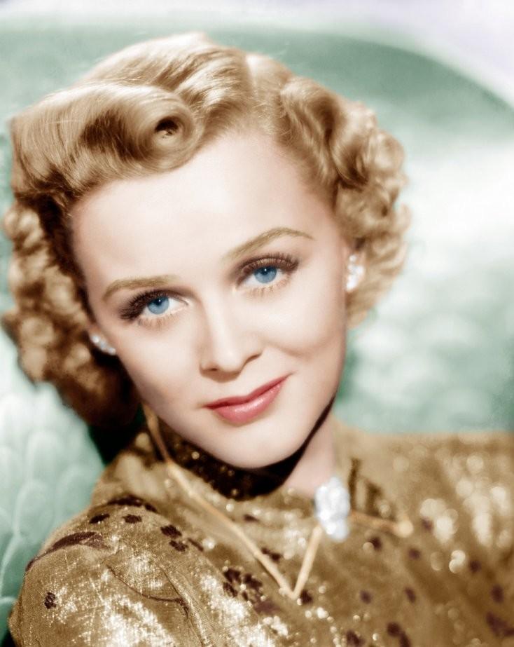 А вы помните пожилую Розу из фильма «Титаник»? Посмотрите, какой красавицей она была в молодости!