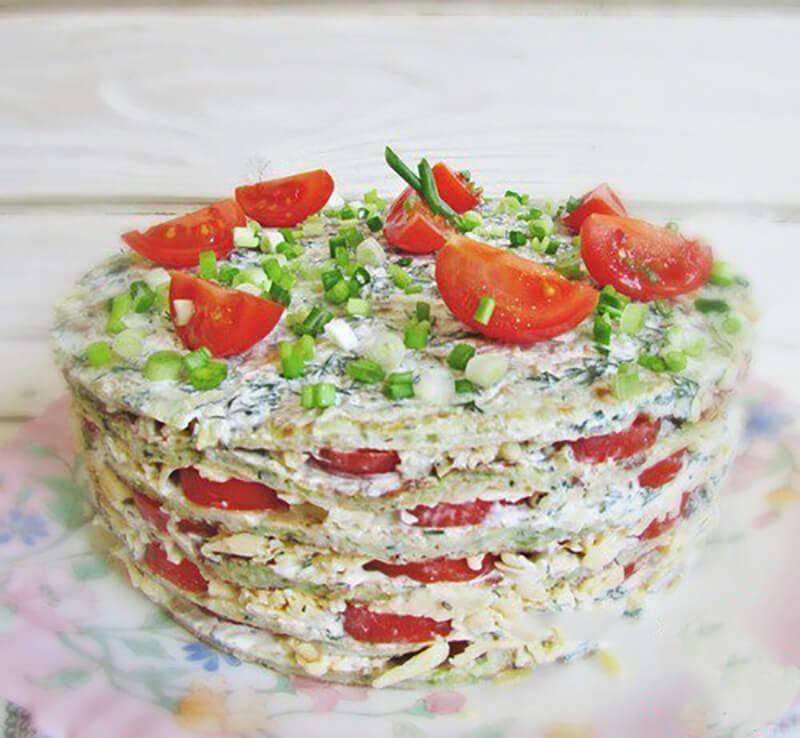 Вкусный и изысканный закусочный торт из кабачков, помидоров и сыра