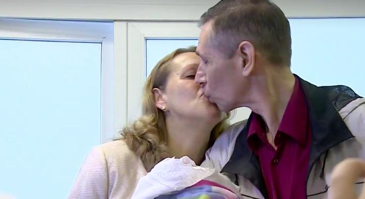 Жительница Приморья в 51 год родила тройню и теперь не знает, сможет ли их воспитать