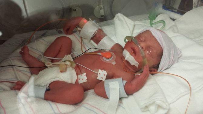 Мужчина был счастлив: жена только что родила ему четверых детей. Он не знал, что через несколько минут потеряет ее навсегда…