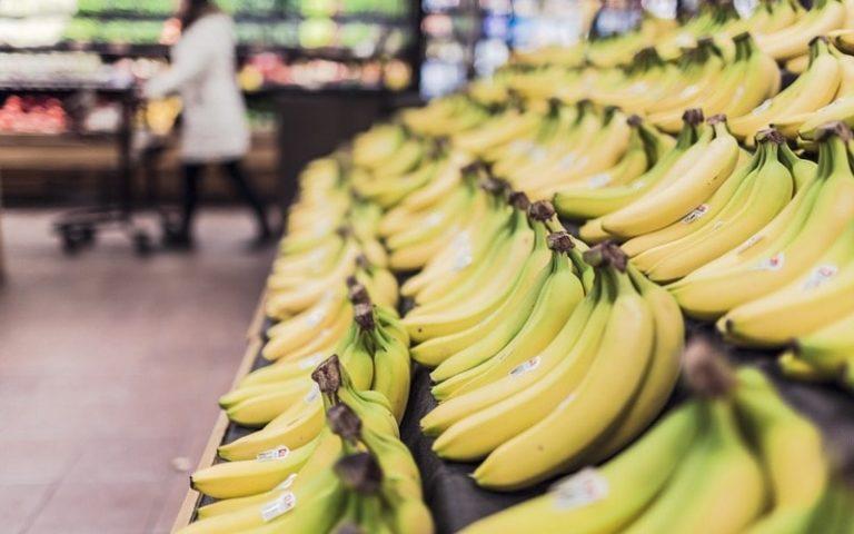 А вы какие бананы обычно покупаете? Читайте, как правильно выбирать фрукт и почему это важно
